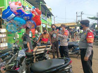 Antisipasi Mobilitas Massa Unras Ke Jakarta, Polsek Cibarusah Lakukan Penyekatan
